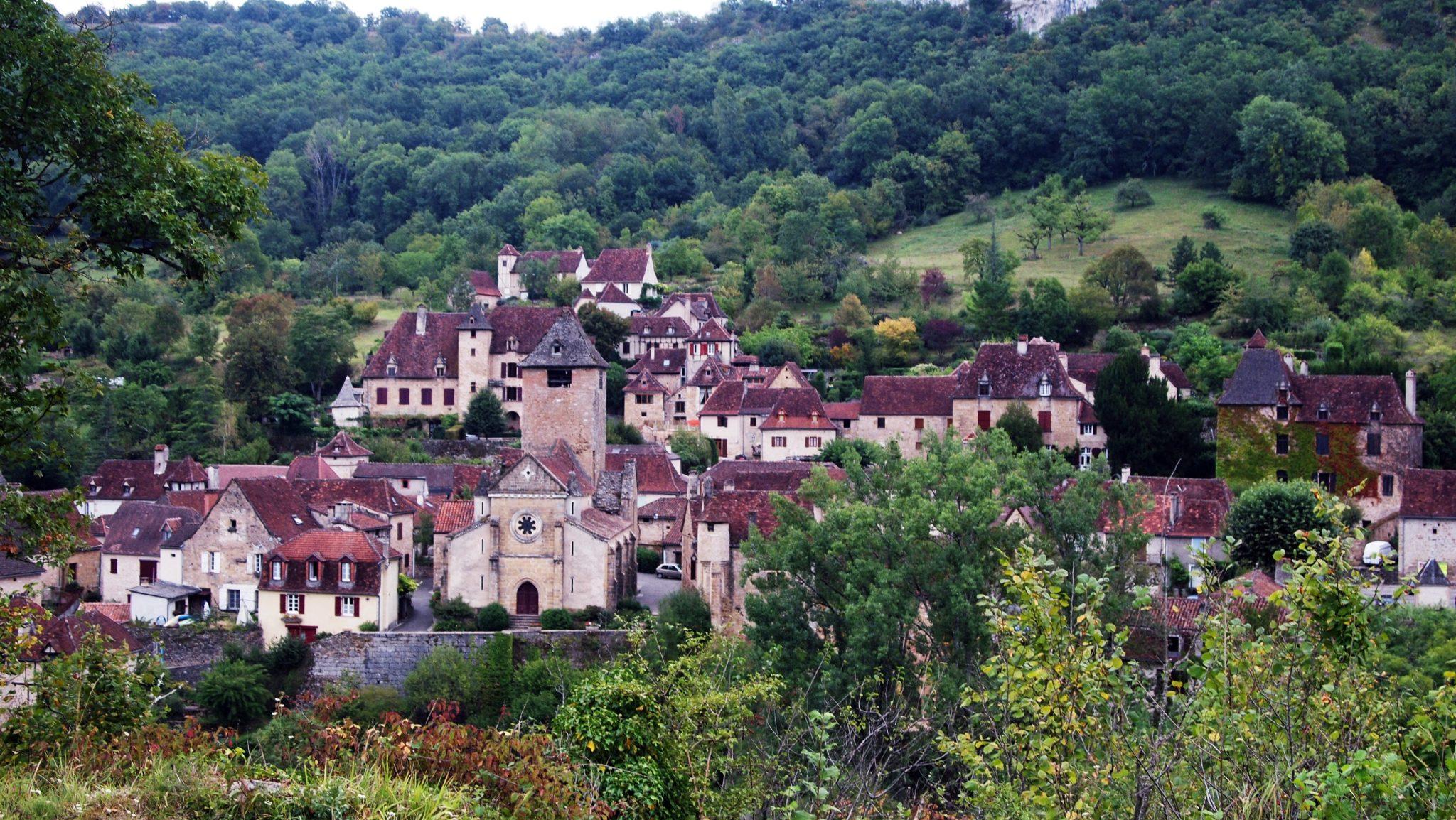 pueblos bonitos francia autoire