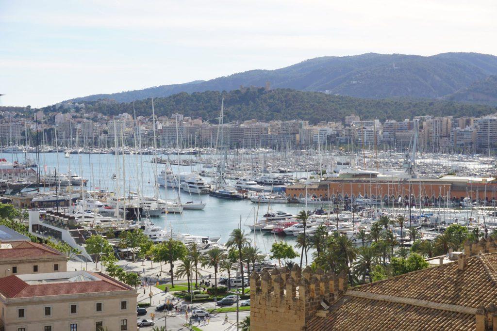 Puerto de Palma y castillo de bellver