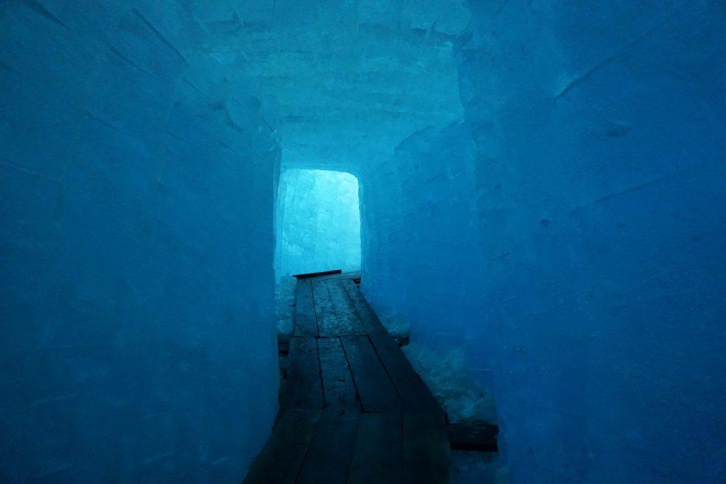 Eisgrotte bajo el Glaciar del Ródano
