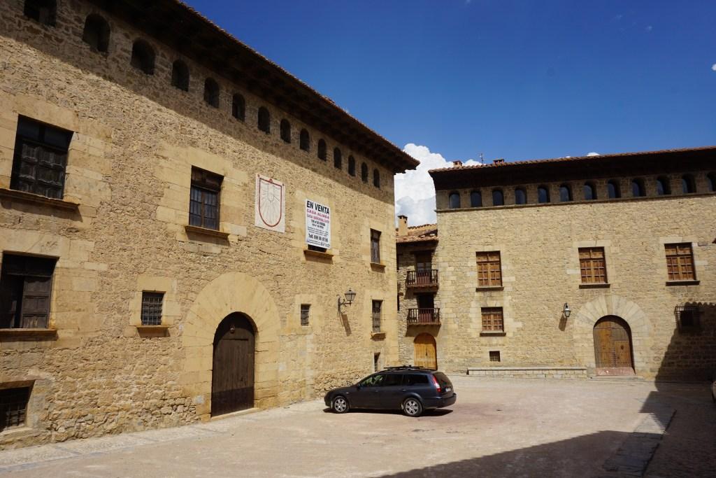 Casa Aliaga y Casa Castellot