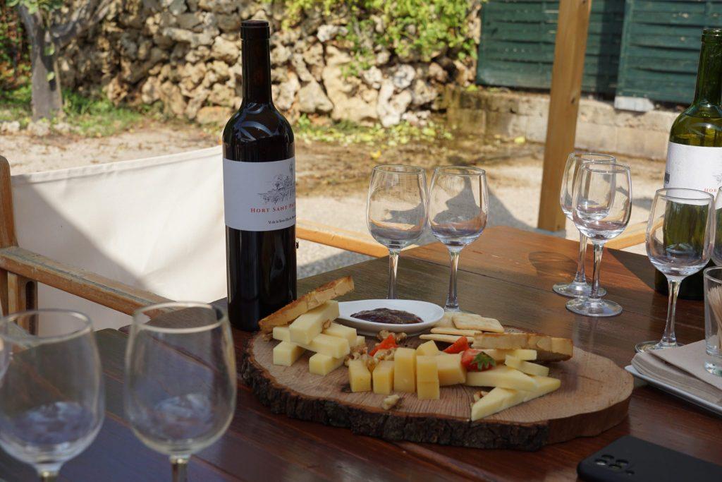 Quesos y vino Hort de Sant Patrici