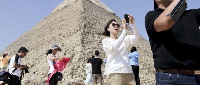 سائح أمريكي يشيد بتجربته السياحية الرائعة بمصر