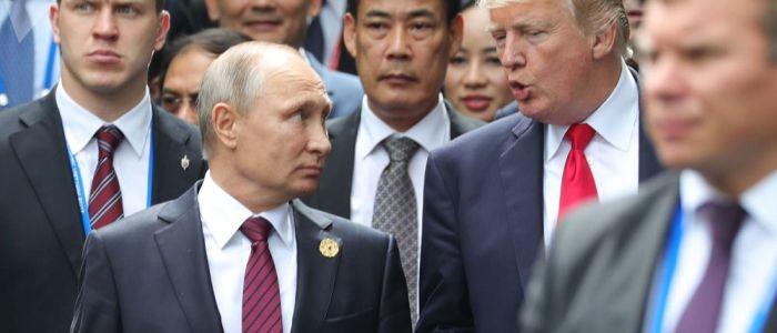 كيف تتصارع موسكو وواشنطن على النفوذ في الشرق الأوسط من خلال القمم والاجتماعات المتنافسة؟