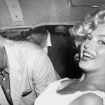 في ذكرى رحيلها… قصة الصورة الوحيدة التي جمعت مارلين مونرو مع جون كينيدي