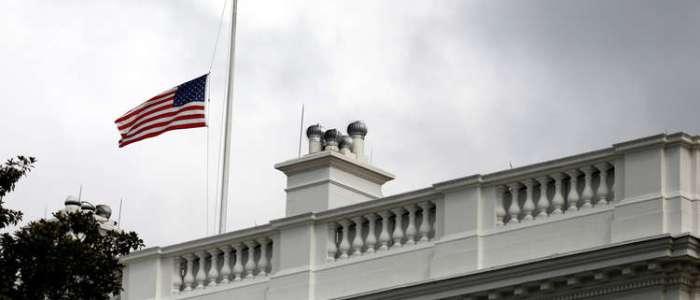 أمريكا تطرد السفير الفلسطيني وعائلته