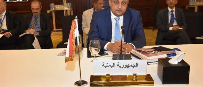 وزير الثقافة اليمني يطالب بتصنيف الحوثي كحركة إرهابية