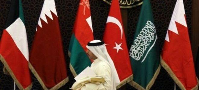 """الإمارات: الأزمة الخليجية ستنتهي بانتهاء """"تدخل قطر"""" في قضايا المنطقة"""
