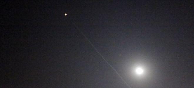 الدفاع السوري يتصدى لصواريخ إسرائيلية في محيط دمشق