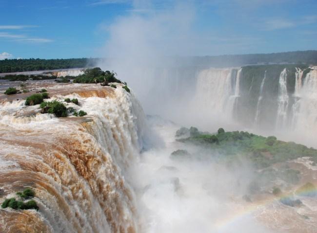 Spectacle de bruits et d'images ahurissant, le récit de notre visite aux chutes d'Iguazu sur Eldoradonews !