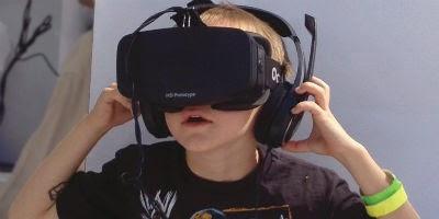 Kid in oculus mask