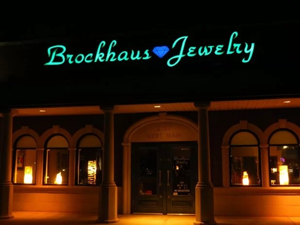 New Illuminated Store Front Sign Lights Up Jeweler