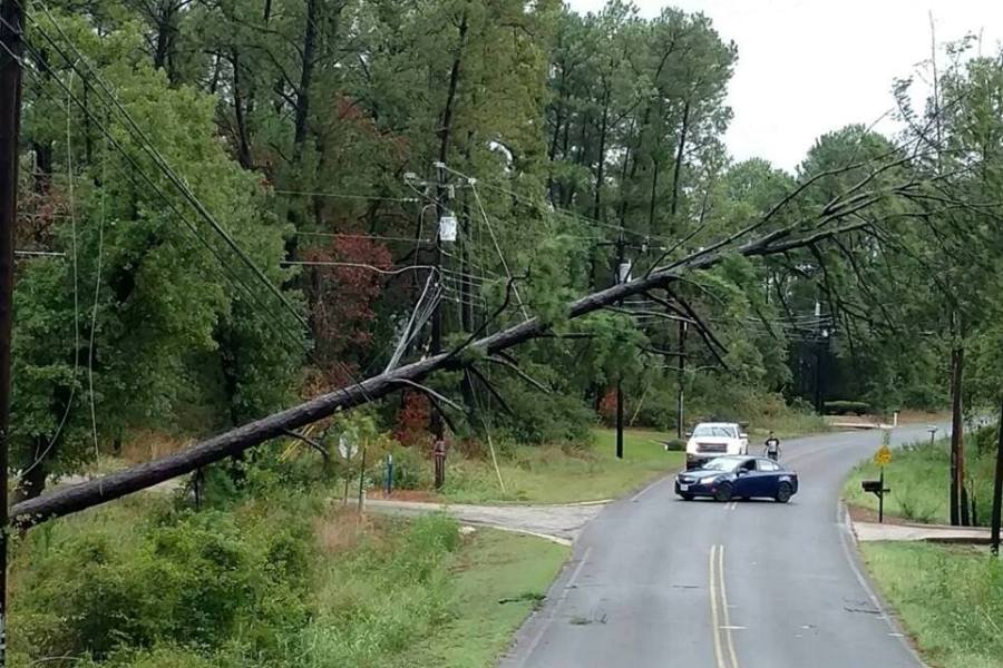 Co ops Combat Hurricane Damage   America s Electric Cooperatives Downed trees and lines are a common sight across parts of Texas as crews  work to