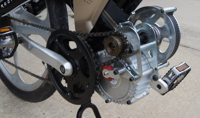 The GNG BB-drive, which has some issues that can be fixed with parts upgrades, but its affordable price has recently made it popular. 15mm belted primary on the left, with a bike chain secondary.