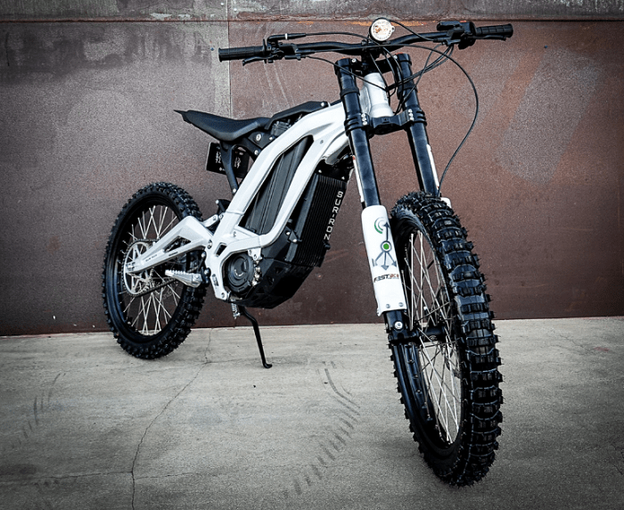 The Sur Ron Is A Light And Affordable E Moto For The Dirt