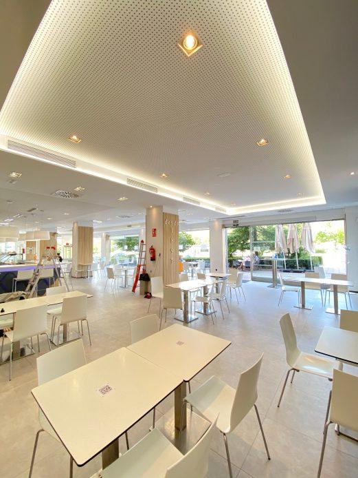 Luz indirecta en Cafeteria Casa Isla
