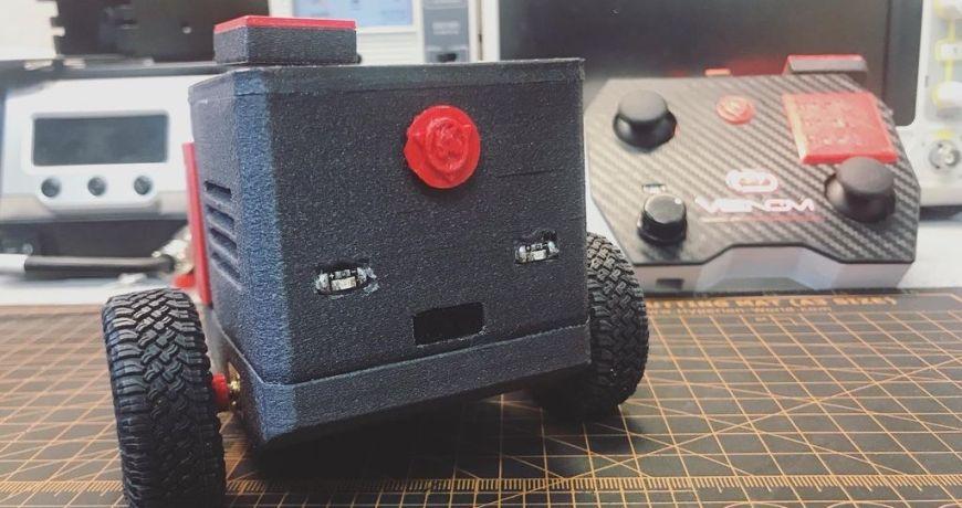 conoce a mrk blockvader un pequeno robot movil que es muy divertido 5f09095c32531 - Electrogeek