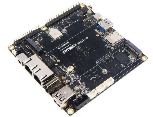 odyssey es una computadora x86 que lleva un arduino para el viaje 5f2dfe2294416 - Electrogeek