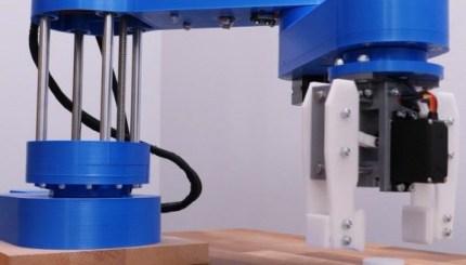 brazo scara impreso en 3d con componentes de impresora 3d 5f7fbb470fef6 - Electrogeek