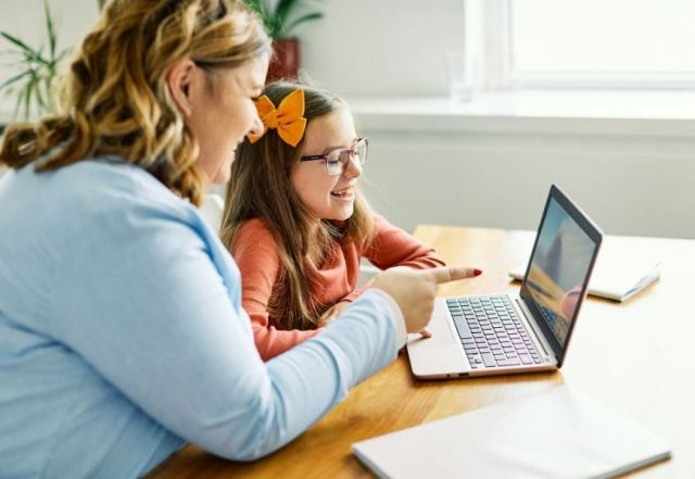 online speech therapy activity
