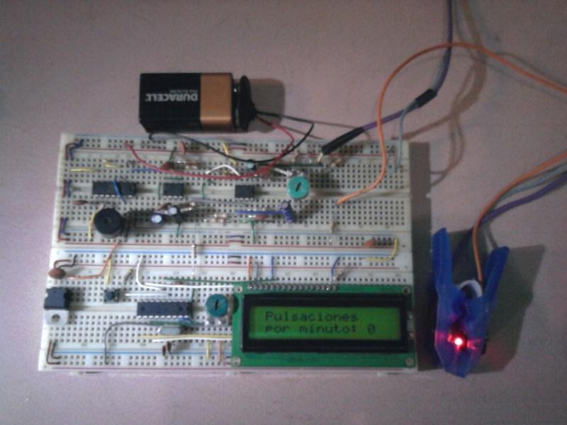 Monitor cardíaco con PIC16F628A