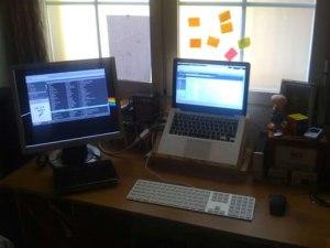 Cómo conectar un monitor de PC en un Mac
