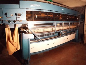 %Industrial feeder Jensen with 4 controllers