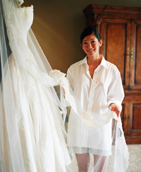 Can The Dream Of Wearing Your Mother 39 S Wedding Gown Be Salvaged