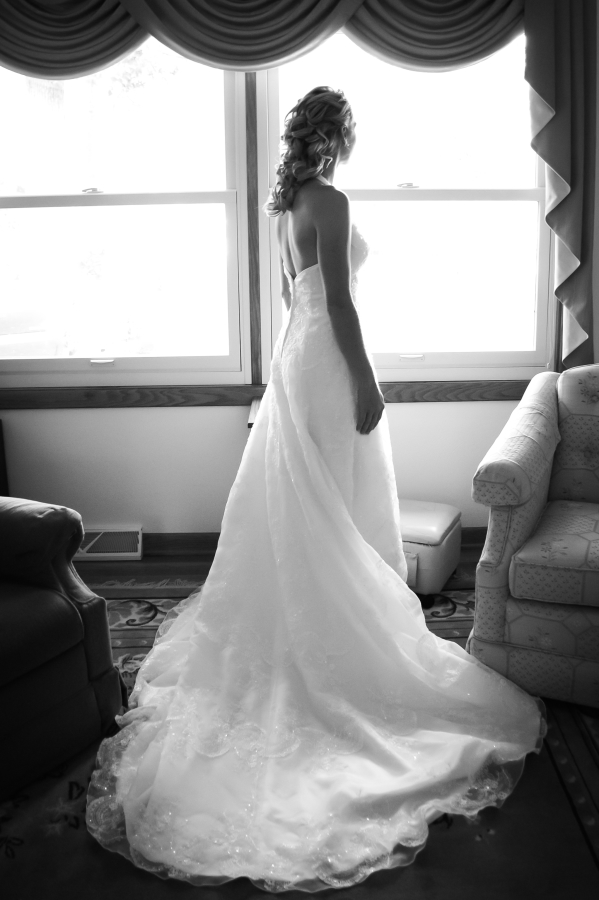 Elegant Touch Photos - Bride
