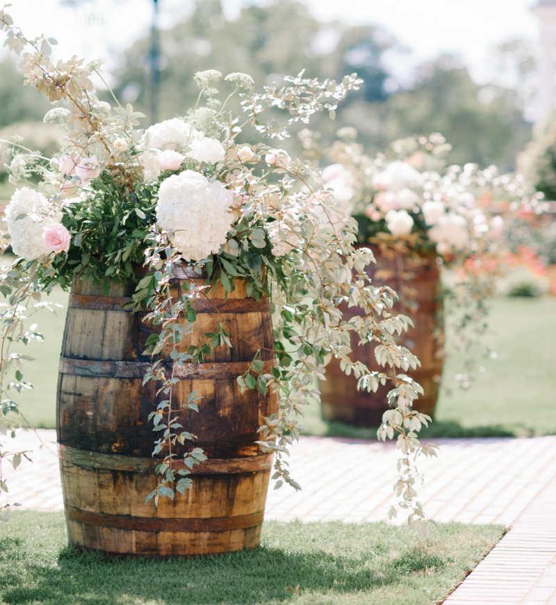 24 Outdoor Wedding Decoration Ideas ElegantWeddingca