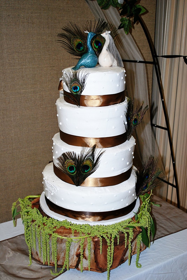 Peacock Wedding Invitations and Wedding Ideas     peacock wedding cakes