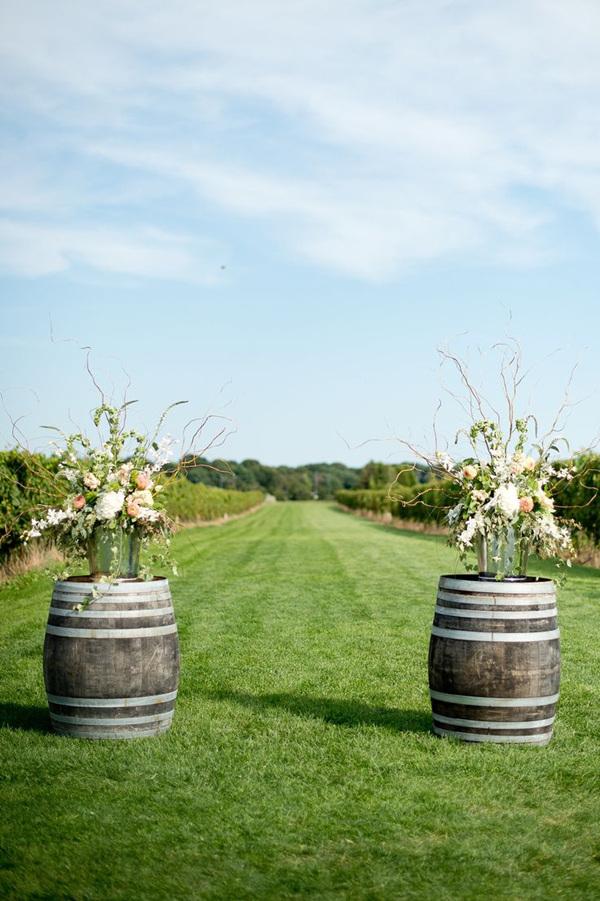 Country Wedding Ideas 20 Ways To Use Wine Barrels Blog