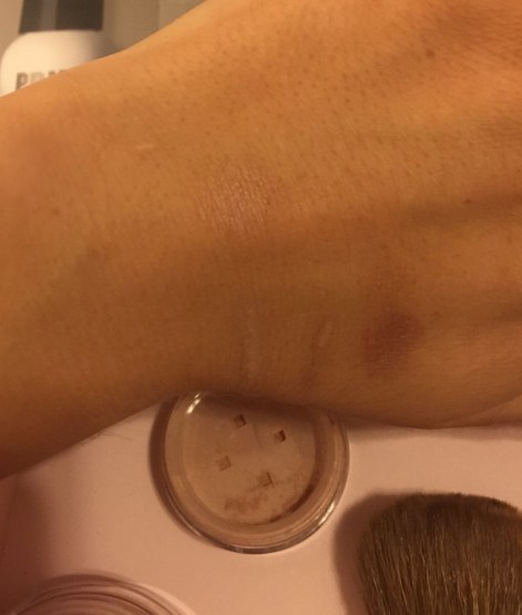 bareminerals medium tan (right) / Tan (left) swatch