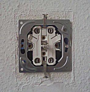 2. stopcontact plaatsen