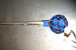 Voorbeeld van ingefreesde leiding en elektra-doos.