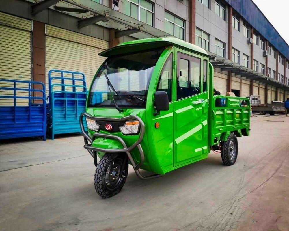 elektrofrosch Grand Extra 3 - Transporter mit geschlossener Kabine
