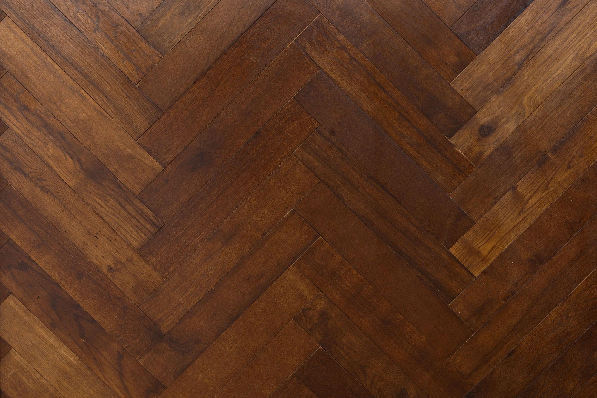Reclaimed Brown Oak Herringbone Element7