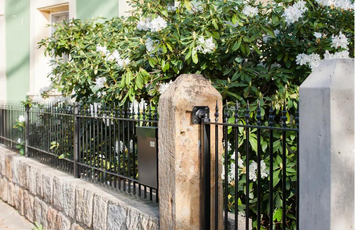 Gartentor Ancona - pulverbeschichtet schwarz - Kreuzlilie