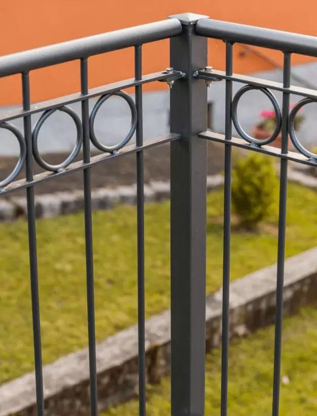 Balkongeländer Belluno in pulverbeschichteter Ausführung