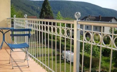 Balkongeländer Belluno aus Metall in feuerverzinkter Ausführung