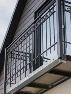 Balkonbrüstung Bologna in pulverbeschichteter Ausführung