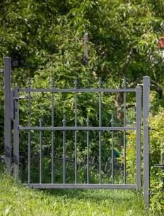 Gartentor Ravenna in pulverbeschichteter Ausführung mit Pinienspitze