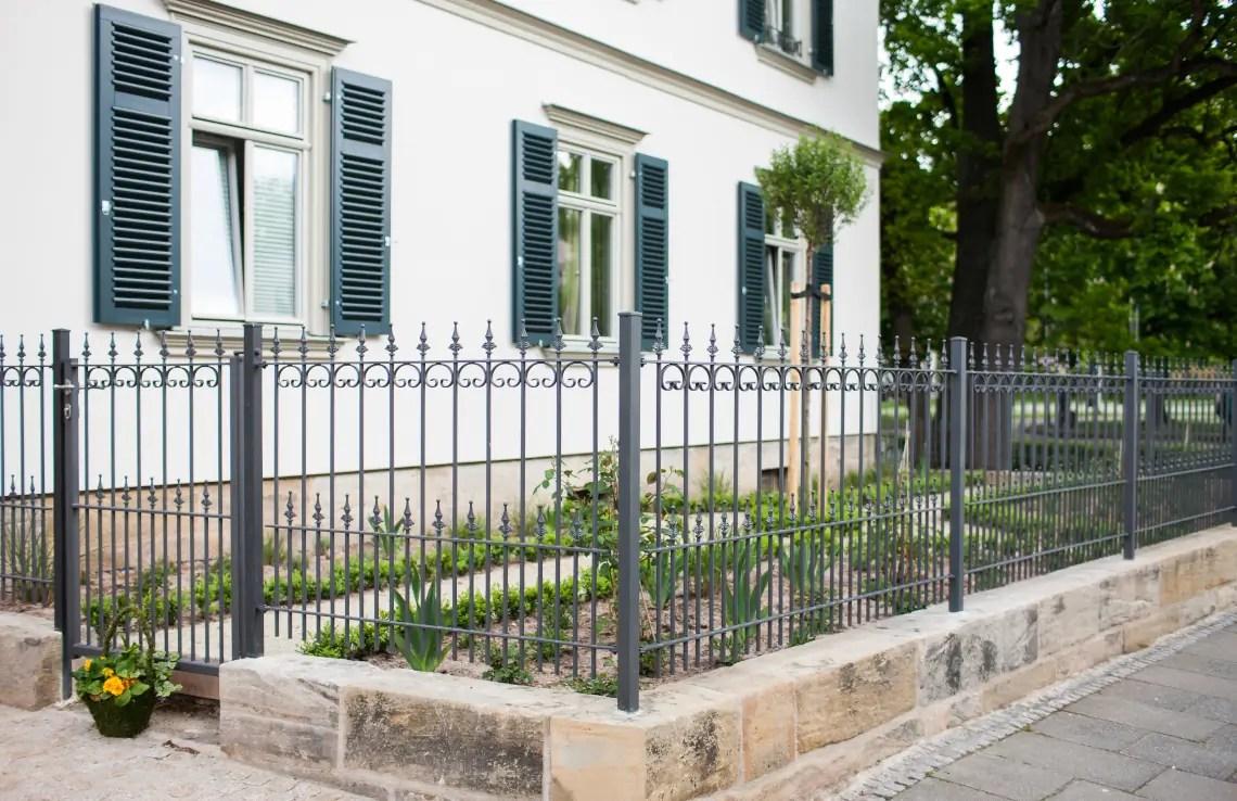 Zaun Lucca - pulverbeschichtet - Kugelstab