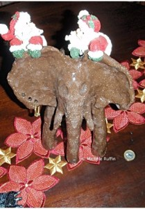 """""""Dali02 - éléphant alscienne"""" reconverti en Elephant de noël"""