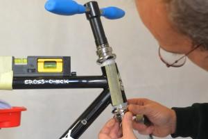 5512 Montiamo la bici serie sterzo trittico leve Surly Cross Check 51