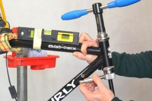 5517 Montiamo la bici serie sterzo trittico leve Surly Cross Check 56