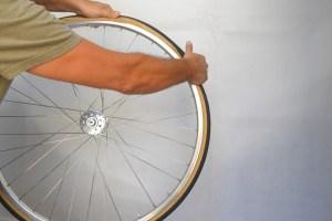 6993-montare-copertoncino-bicicletta-32