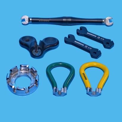 Come eseguire la centratura laterale di una ruota chiavi tiraraggi
