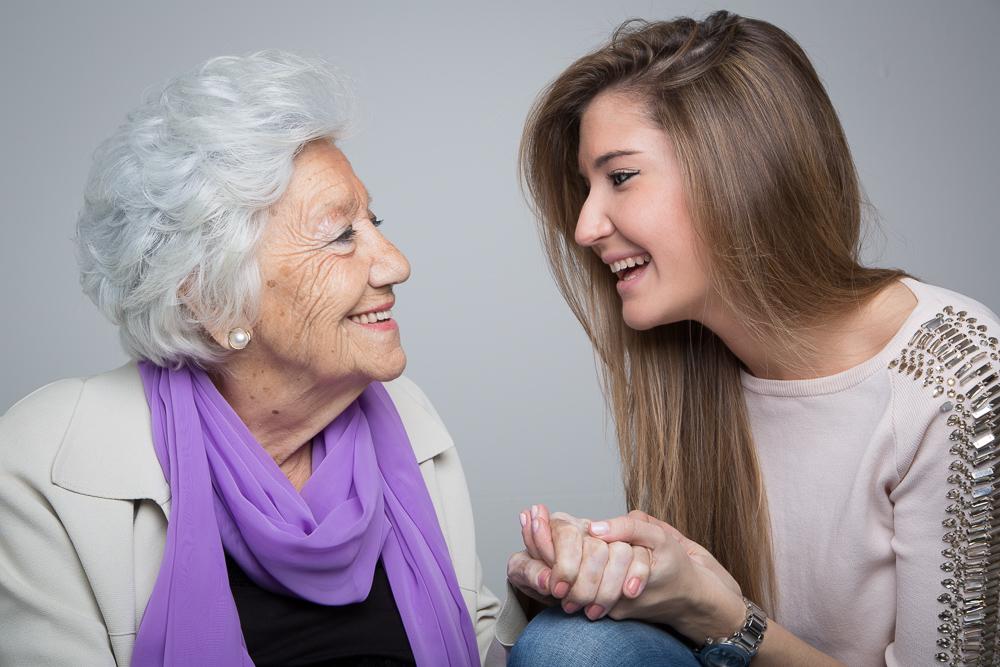 Resultado de imagen de abuela con su nieta