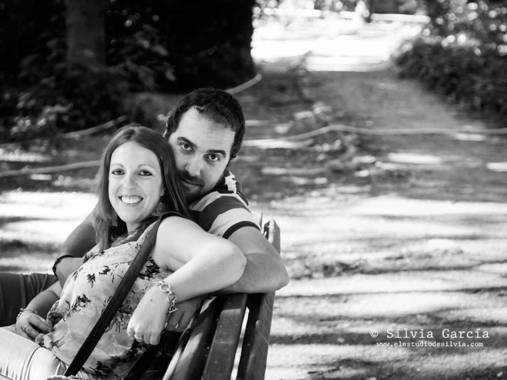 _mg_9976_1bn, preboda en Madrid, preboda en el Campo del Moro, fotos de pareja naturales, fotografia de boda Madrid