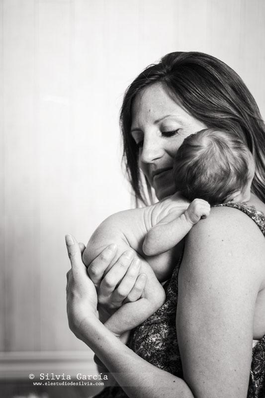 fotografia de recién nacido Madrid, fotos recién nacido, fotos newborn Madrid, fotografo Moralzarzal, fotografo familiar Moralzarzal, fotos de bebés Sierra de Madrid, fotografía de bebés en Sierra de MAdrid